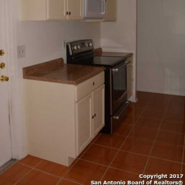 Property for Rent | 9611 MYSTIC BEND ST  San Antonio, TX 78250 7