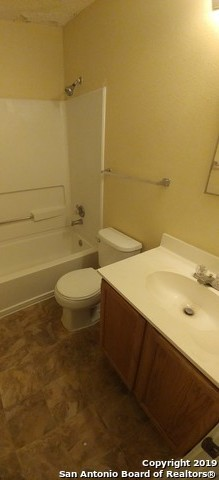 Property for Rent | 9513 CAMPTON FARMS  San Antonio, TX 78250 9