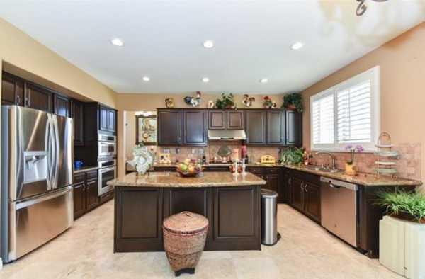 Active | 10111 Thorpe Court Rancho Cucamonga, CA 91737 23