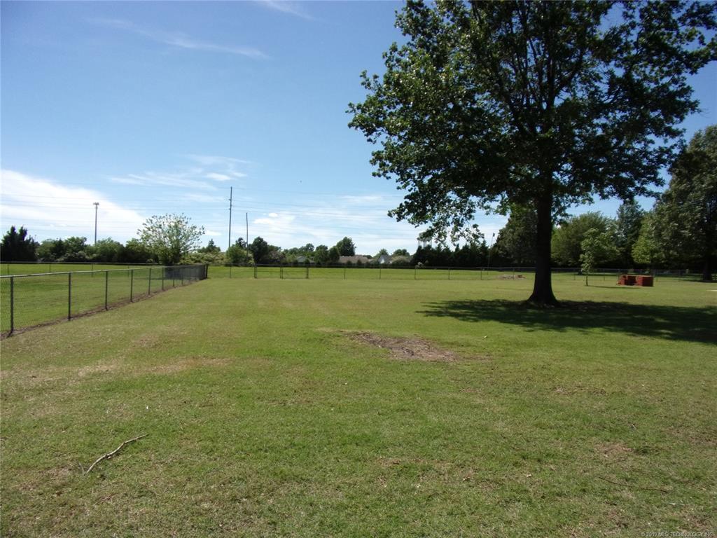Active   1901 NE Oakridge Drive Claremore, Oklahoma 74017 2