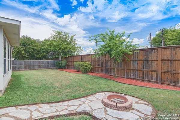 Property for Rent | 129 DEERWOOD OAKS  Boerne, TX 78006 22