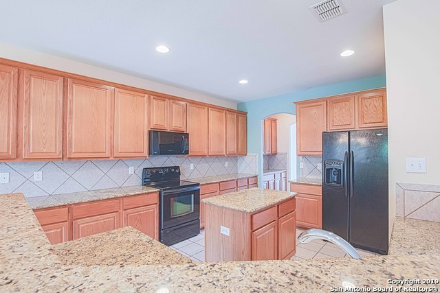 Property for Rent   129 DEERWOOD OAKS  Boerne, TX 78006 5