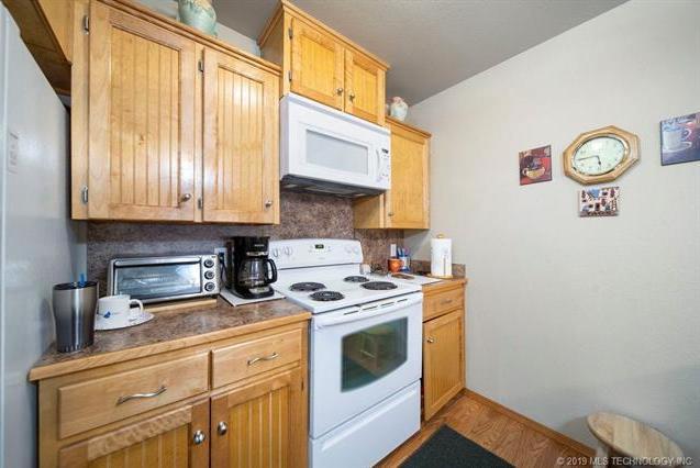 Closed | 821-823 N Thompson St #821-823 Vinita, OK 74301 10