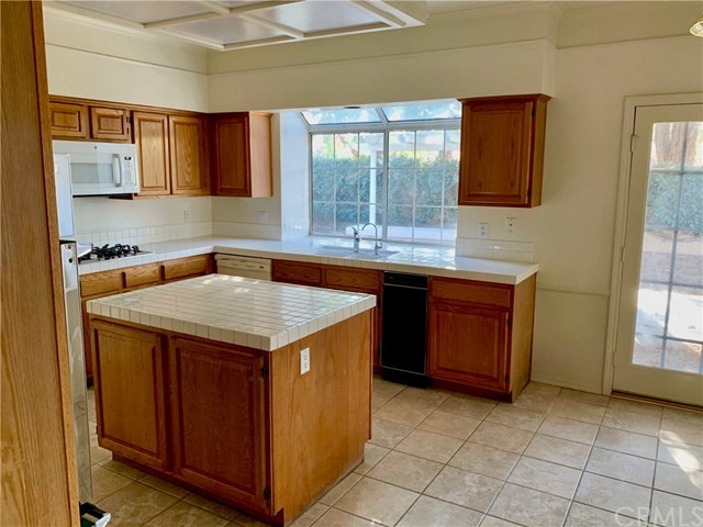 Active   6980 Fabriano Place Rancho Cucamonga, CA 91701 6