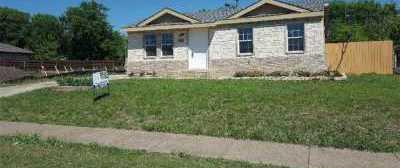 Sold Property | 737 Tapley Street Grand Prairie, Texas 75051 2