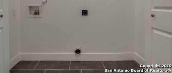 Active | 239 E WOODLAWN AVE  San Antonio, TX 78212 16