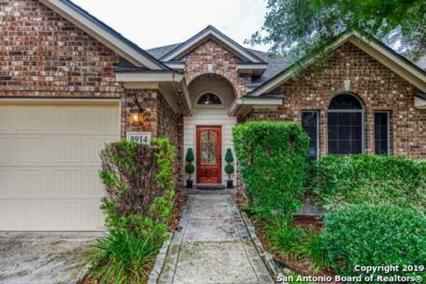 Active | 8914 Saxon Forest  Helotes, TX 78023 1