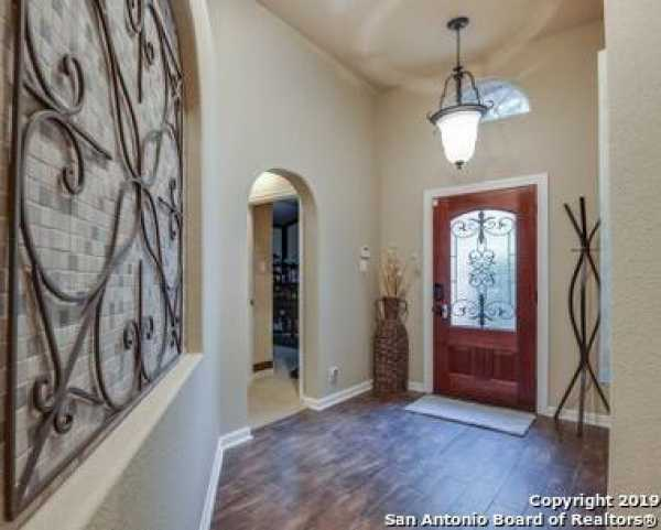 Active | 8914 Saxon Forest  Helotes, TX 78023 2