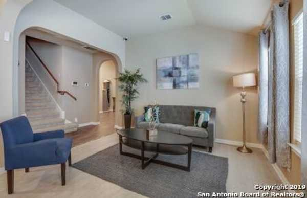 Active | 8914 Saxon Forest  Helotes, TX 78023 3