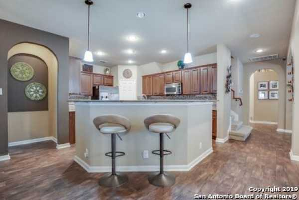 Active | 8914 Saxon Forest  Helotes, TX 78023 8