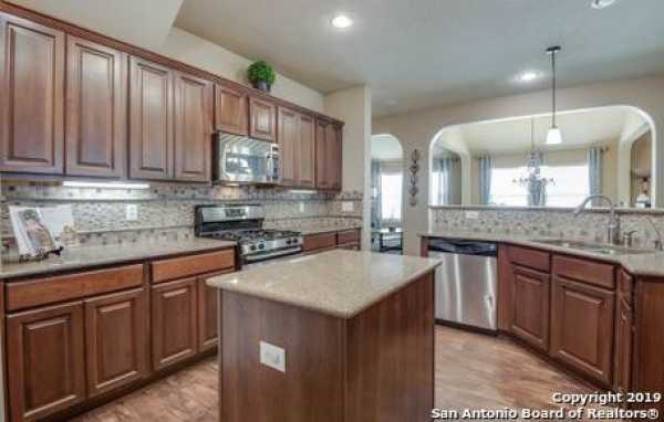 Active | 8914 Saxon Forest  Helotes, TX 78023 9