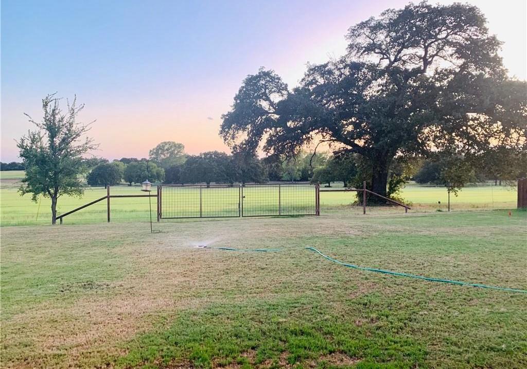 Sold Property | 2824 Willow Ridge Circle Granbury, Texas 76049 2