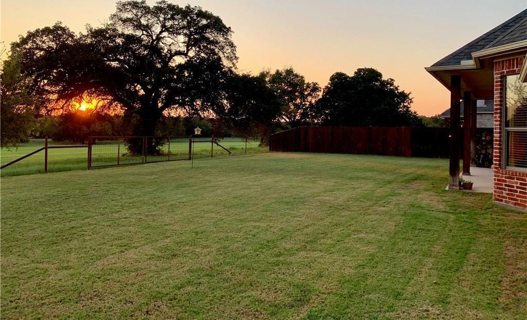 Sold Property | 2824 Willow Ridge Circle Granbury, Texas 76049 3