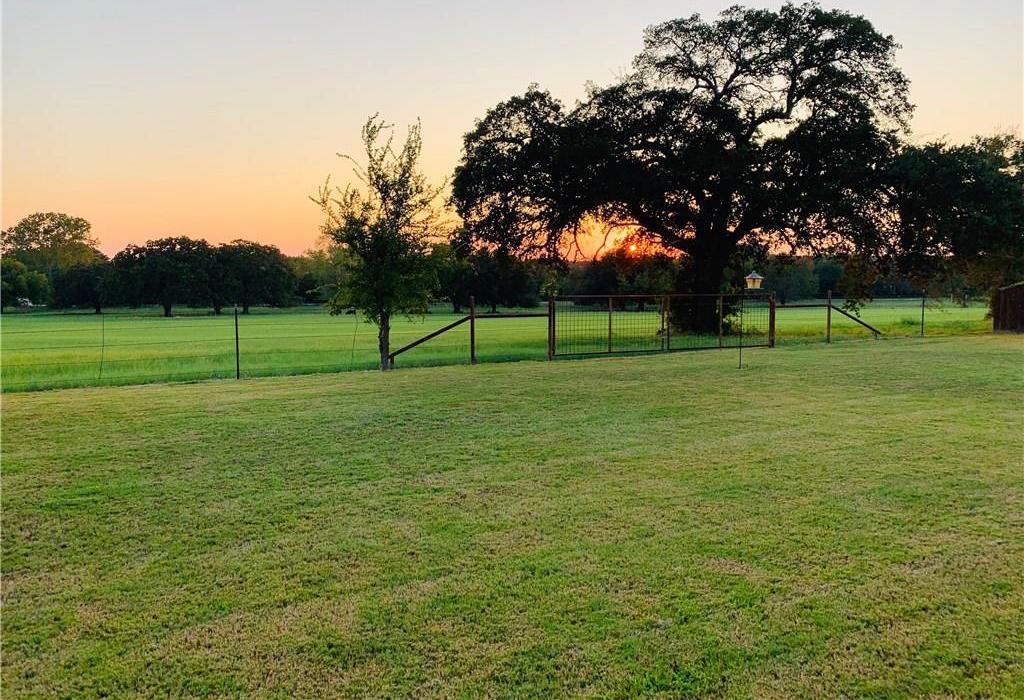 Sold Property | 2824 Willow Ridge Circle Granbury, Texas 76049 4
