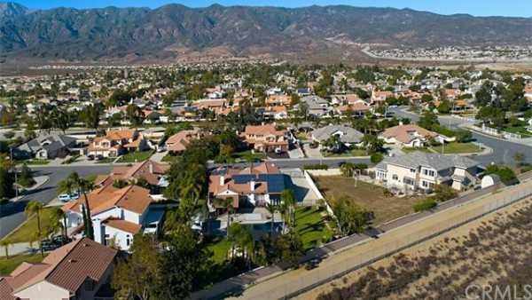Active | 14067 Hoppe Drive Rancho Cucamonga, CA 91739 12