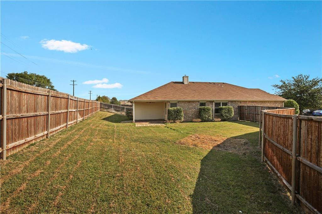 Pending   926 Horizon Ridge Circle Little Elm, TX 75068 4