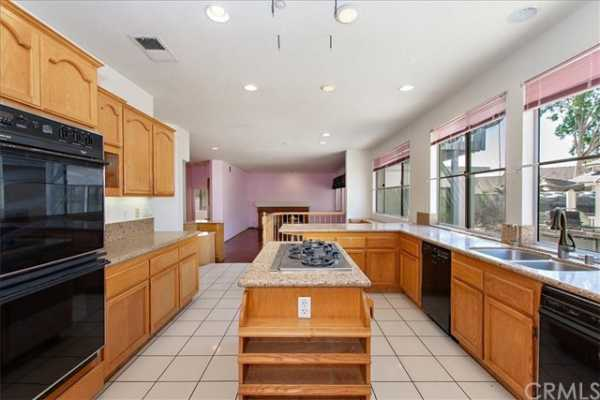 Active | 6100 Softwind Place Rancho Cucamonga, CA 91737 11