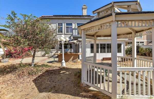 Active | 6100 Softwind Place Rancho Cucamonga, CA 91737 36