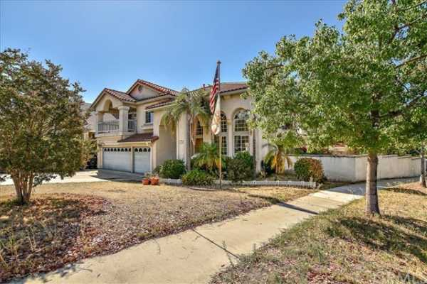 Active | 6100 Softwind Place Rancho Cucamonga, CA 91737 40