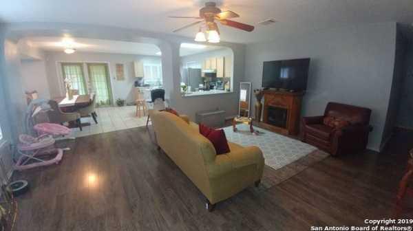 Property for Rent   5407 Senisa Springs  San Antonio, TX 78251 3