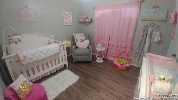 Property for Rent   5407 Senisa Springs  San Antonio, TX 78251 10