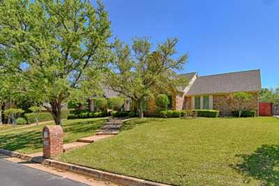 Sold Property | 2107 Bay Club Drive Arlington, Texas 76013 1