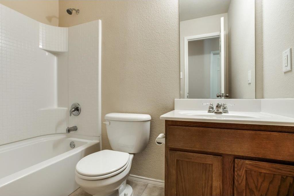 Sold Property   14812 Hunter Drive Little Elm, Texas 75068 20