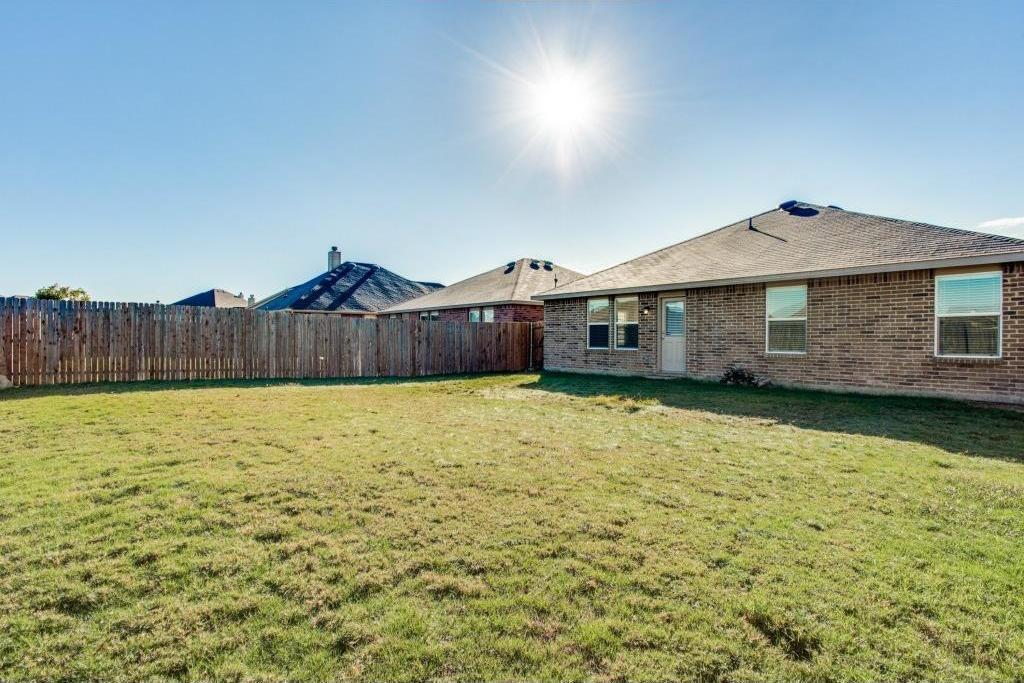 Sold Property   14812 Hunter Drive Little Elm, Texas 75068 21