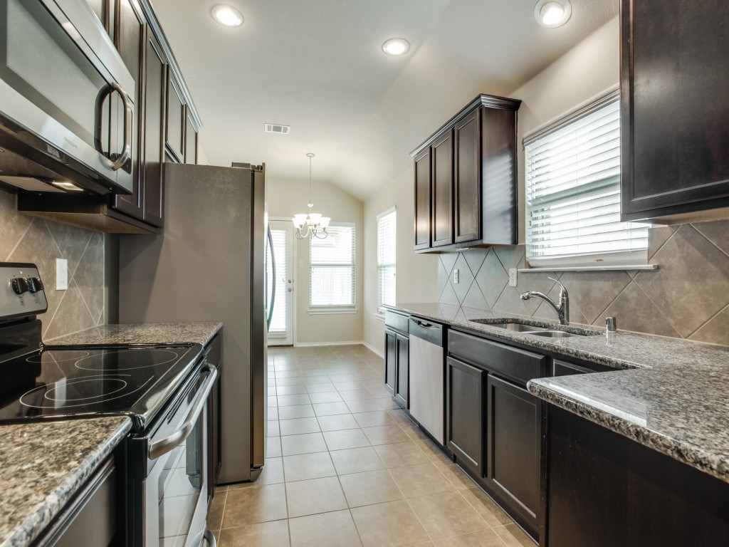 Sold Property | 8721 Yosemite Trail Cross Roads, Texas 76227 10