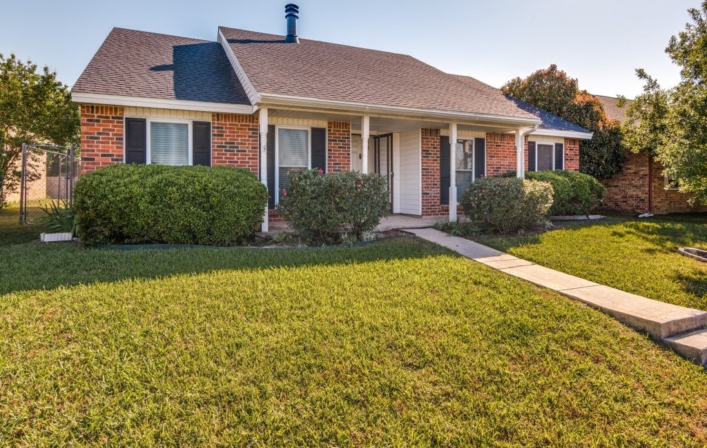 Sold Property   5653 N Colony Boulevard The Colony, Texas 75056 1