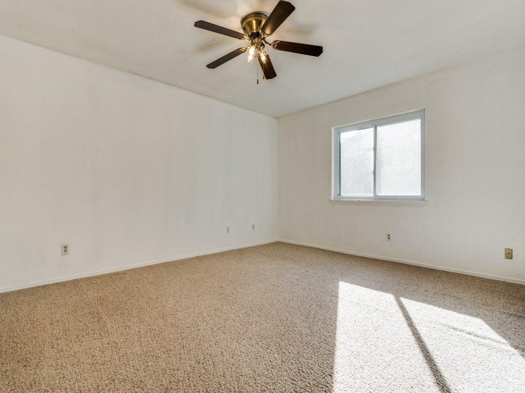 Sold Property   5653 N Colony Boulevard The Colony, Texas 75056 15