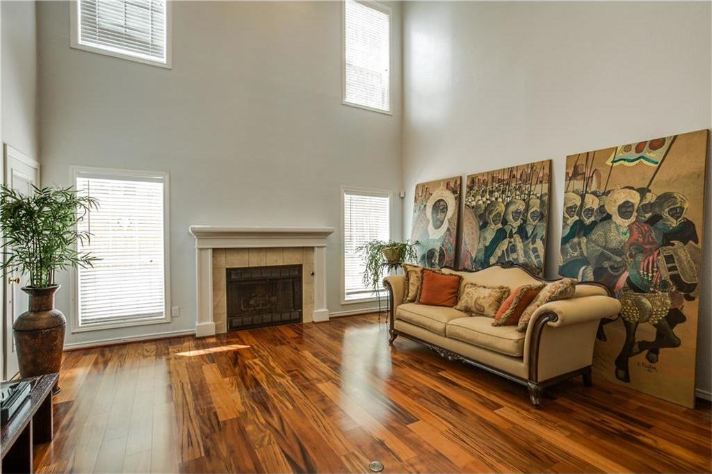 Sold Property | 909 Liberty Street Dallas, Texas 75204 2