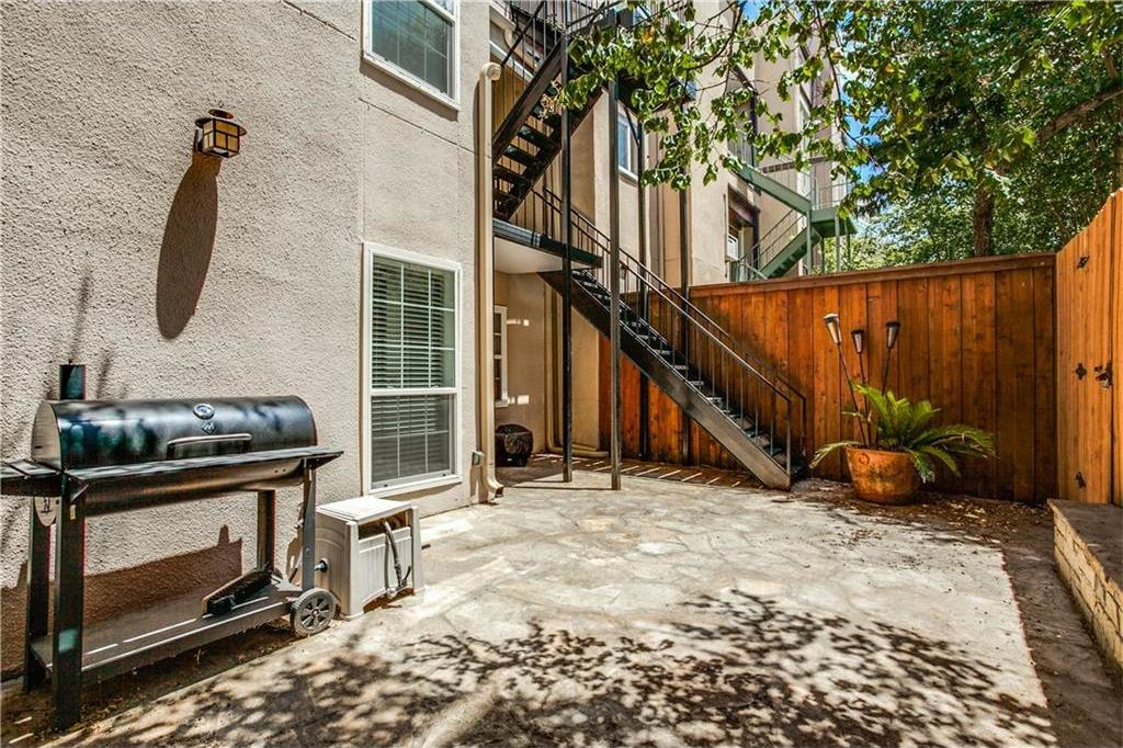 Sold Property | 909 Liberty Street Dallas, Texas 75204 8