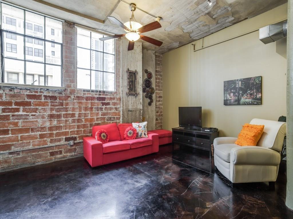 Sold Property | 1122 Jackson Street #1019 Dallas, Texas 75202 3