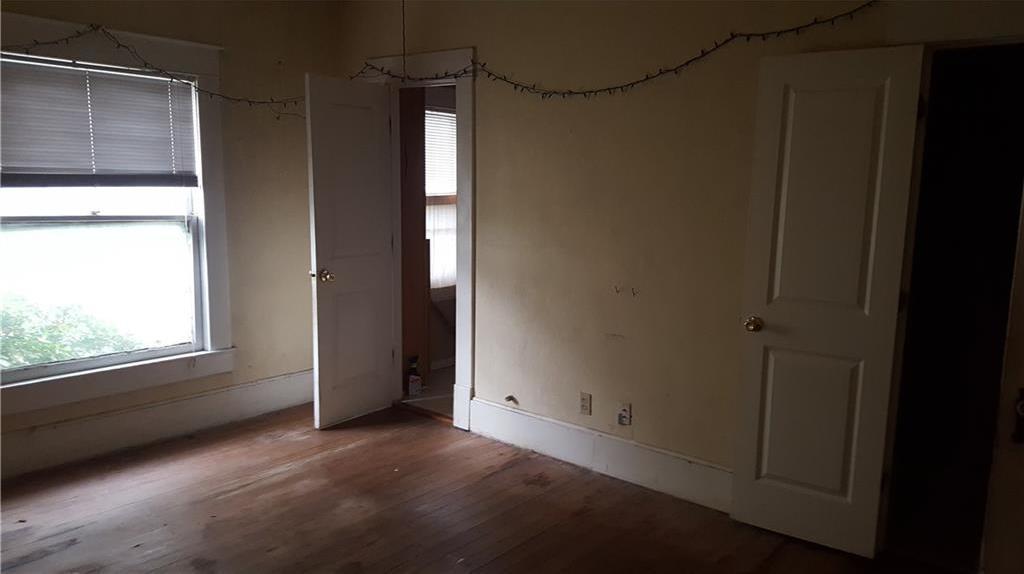 Sold Property | 525 S Willomet Avenue Dallas, Texas 75208 2