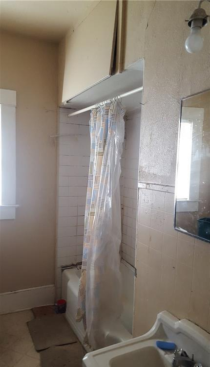 Sold Property | 525 S Willomet Avenue Dallas, Texas 75208 5