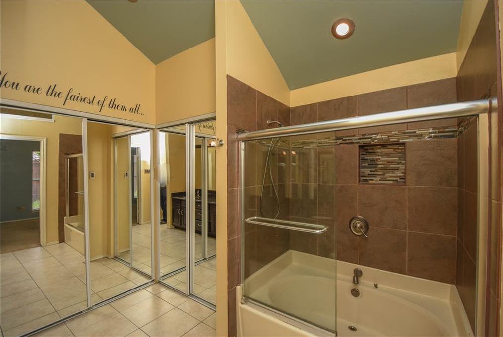 Sold Property | 3809 Branch Hollow Circle Carrollton, Texas 75007 21
