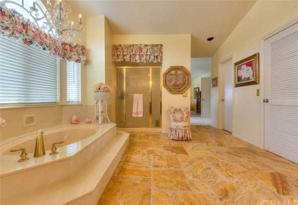 Active | 13511 Portofino Court Chino Hills, CA 91709 37