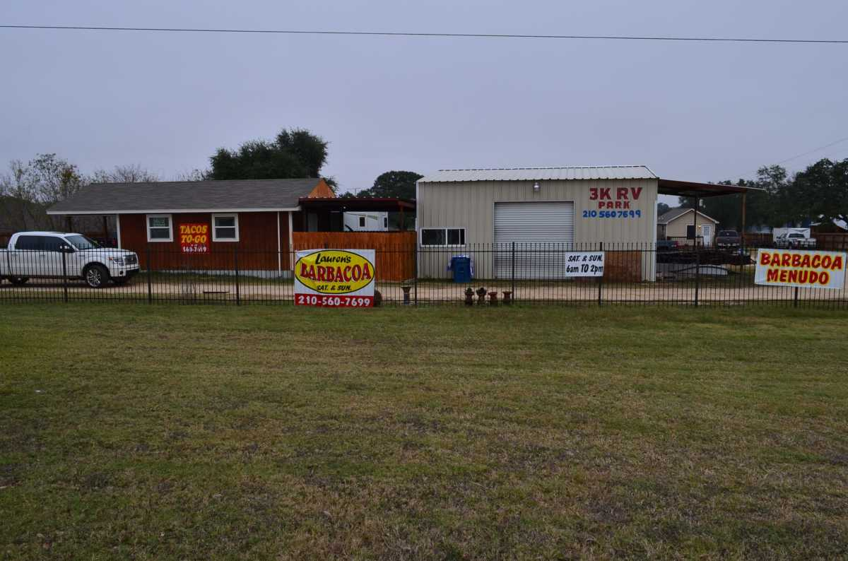 Active | 4858 Us Highway 181 Floresville, TX 78114 1