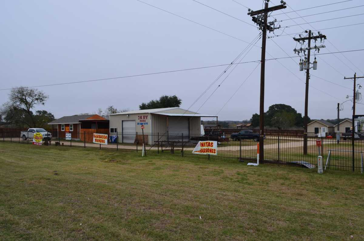 Active | 4858 Us Highway 181 Floresville, TX 78114 18