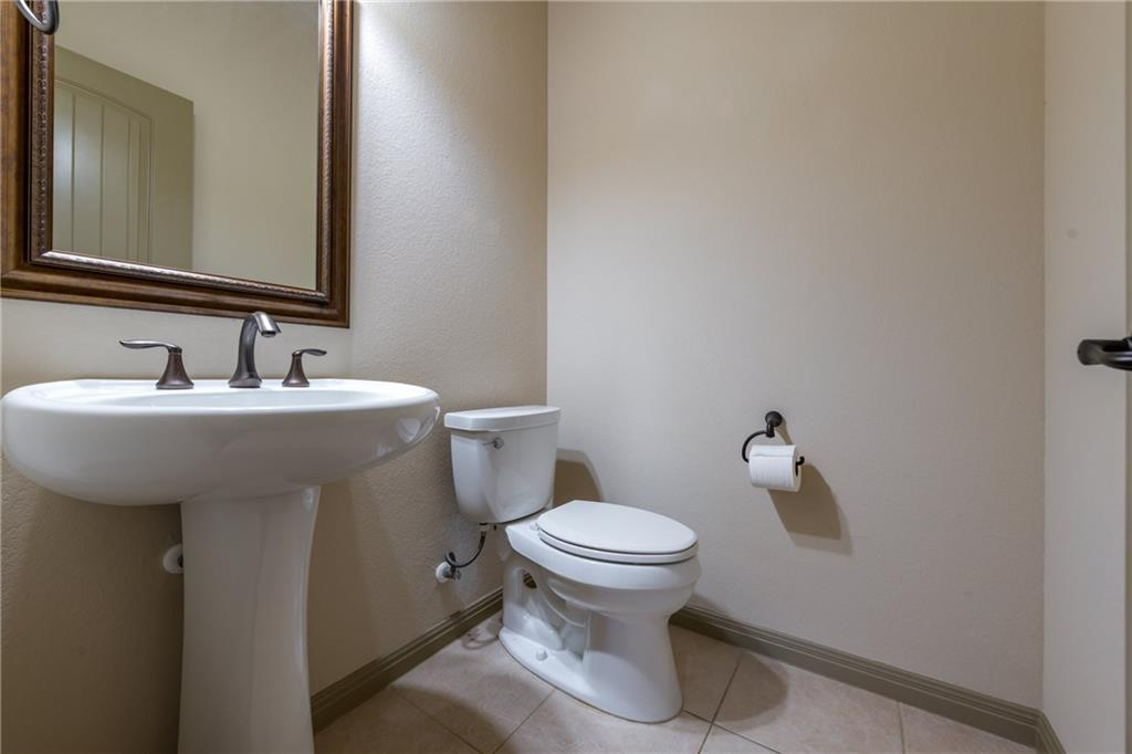Lease, Short term lease, for sale, single story | 150 Drury Lane Austin, TX 78737 32