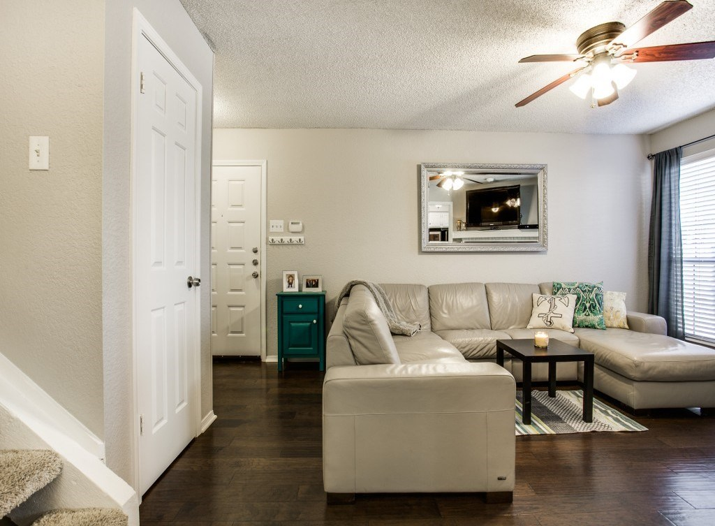 Sold Property | 5200 Martel Avenue #27B Dallas, Texas 75206 5
