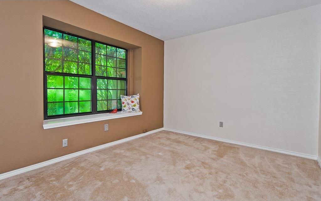 Sold Property | 4309 Hudson Avenue Grand Prairie, Texas 75052 2