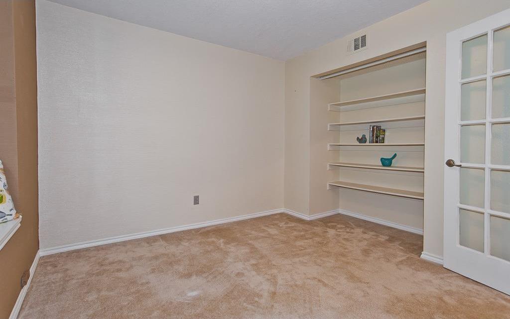 Sold Property | 4309 Hudson Avenue Grand Prairie, Texas 75052 3