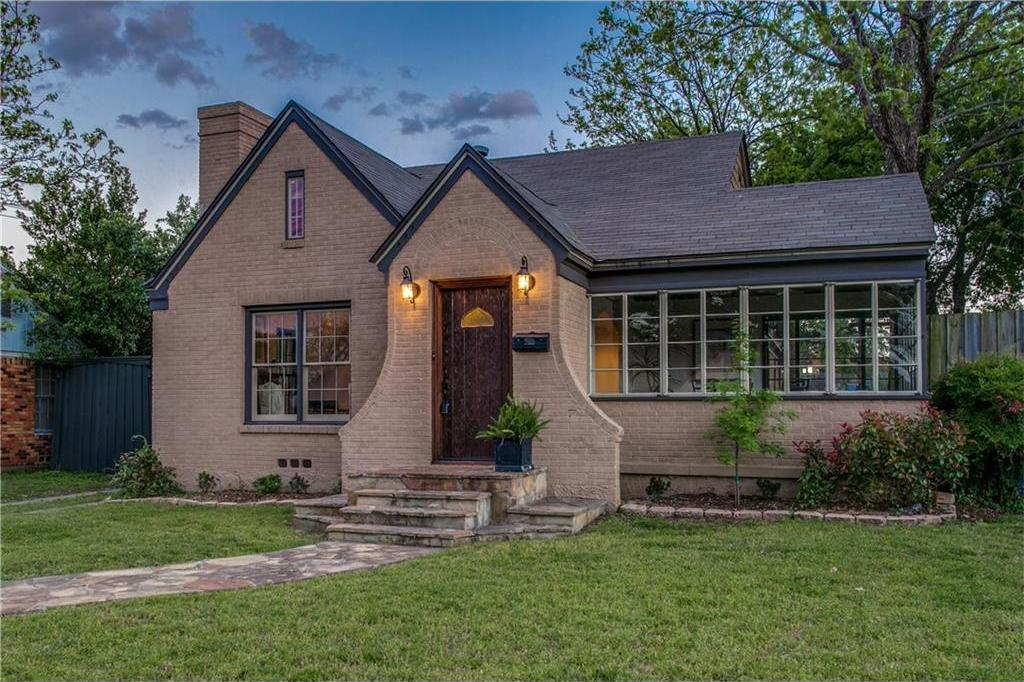 Sold Property | 2218 Carnes Street Dallas, Texas 75208 2
