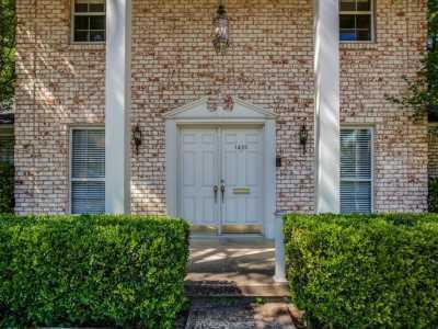 Sold Property | 1420 Mapleton Drive Dallas, Texas 75228 2