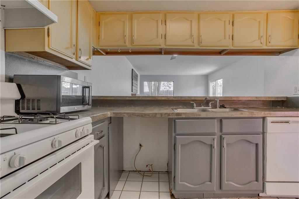 Leased   4801 Yucca Hill Drive Austin, TX 78744 11