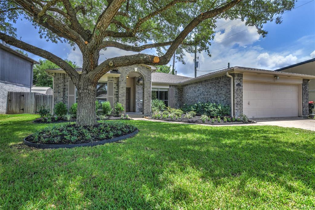 Off Market | 18022 Lago Forest Drive Humble, Texas 77346 1