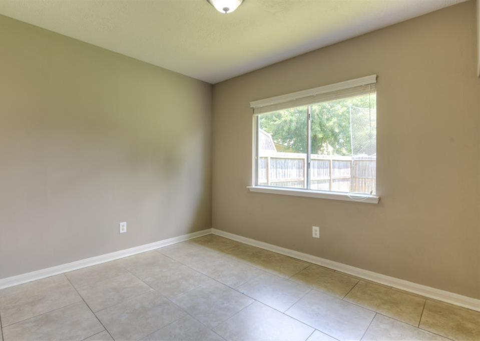 Off Market | 18022 Lago Forest Drive Humble, Texas 77346 11