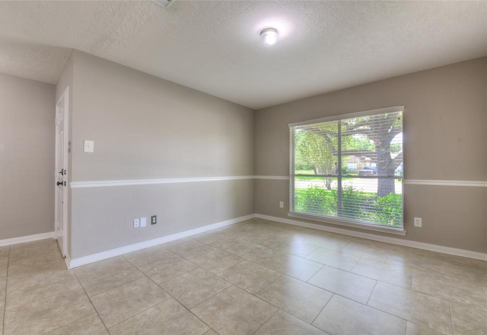 Off Market | 18022 Lago Forest Drive Humble, Texas 77346 4